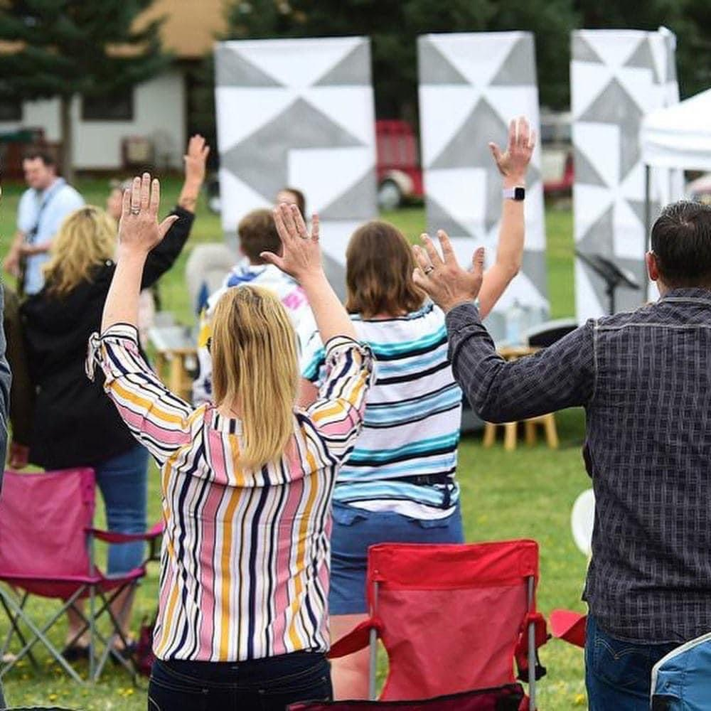 FREE TO WORSHIP 🙏🙌🔥📖👏🏻OUTDOOR REVIVAL UK 🇬🇧 5pm every Sunday !